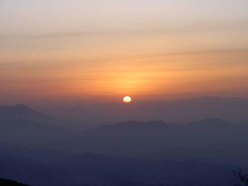 爺ヶ岳東尾根の日の出