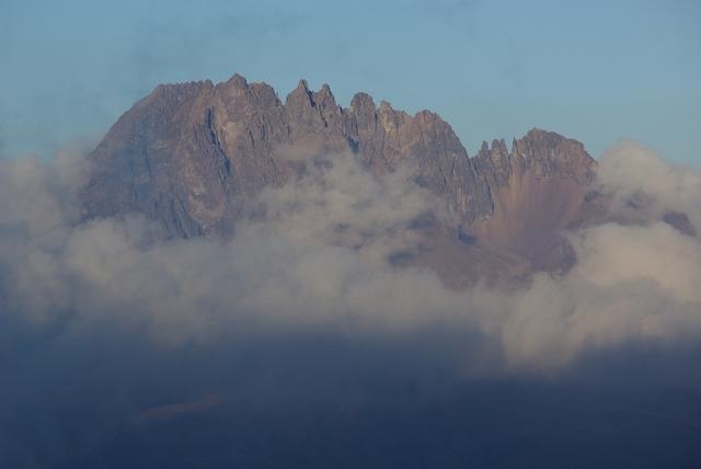 暮れるマウンジェ峰