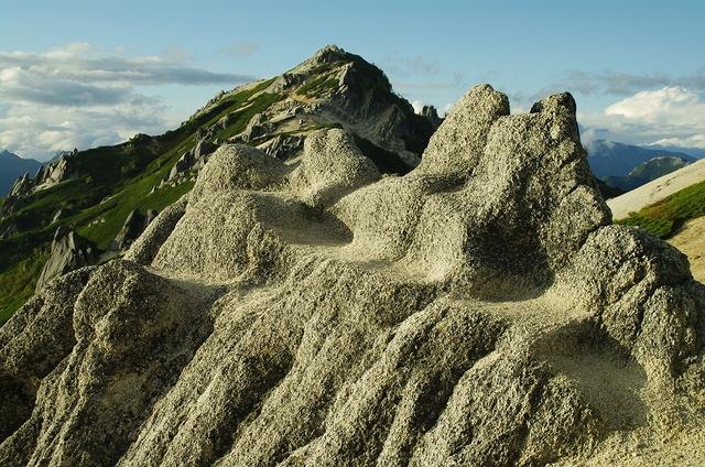 花崗岩と燕岳
