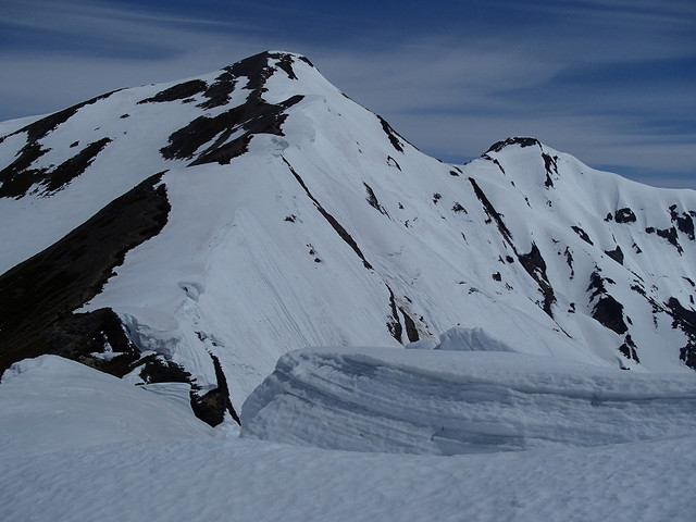 鹿島槍ヶ岳と雪庇